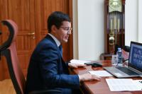 Дмитрий Артюхов пообщался с многодетными мамами
