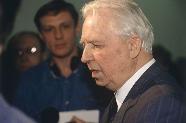 Егор Лигачев.
