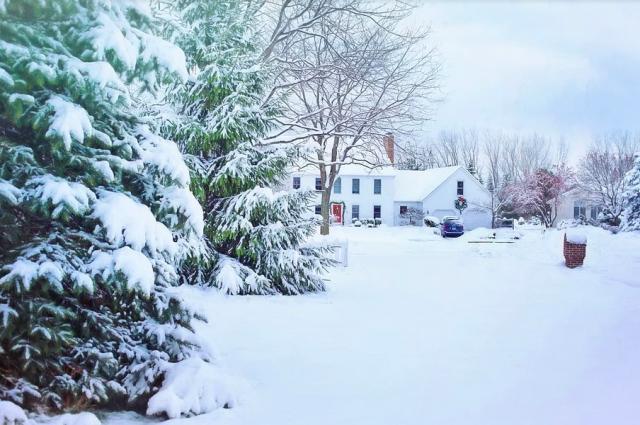 Новосибирцам пообещали теплую и бесснежную погоду в новогоднюю ночь. Такой прогноз дало большинство погодных агрегаторов.