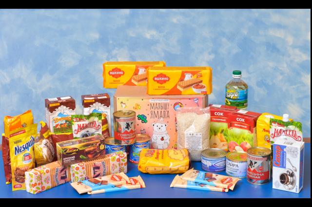 Продуктовые наборы предназначены для ребят из многодетных или малоимущих семей и детей с ограниченными возможностями.