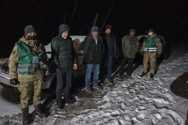 Во Львовской области задержали гражданина РФ, который перевозил нелегалов.