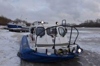 Под Тюменью автомобиль Renault Duster провалился под лед