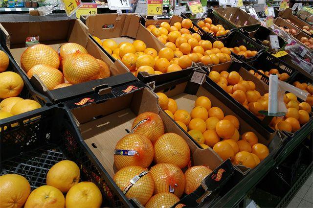 По словам эксперта, главную опасность для новосибирцев представляют магазины. Именно там жители заражаются коронавирусом чаще всего.