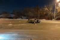 Два человека получили травмы в ночном ДТП в Кировском районе Новосибирска.