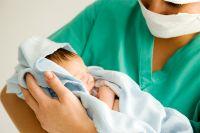 Все новорождённые обязательно проходят тестирование наналичие ВИЧ.