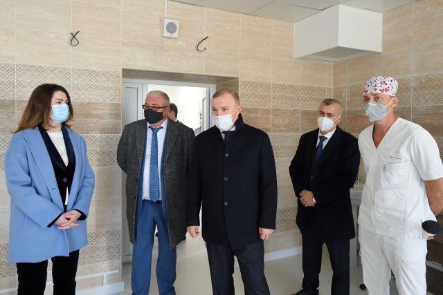 Глава РА ознакомился с результатом реконструкции перинатального центра