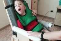 Ребёнка приходится кормить через зонд, а это больно и неприятно.