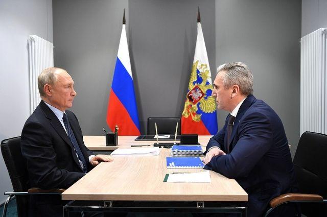 Владимир Путин провел рабочую встречу с губернатором Александром Моором