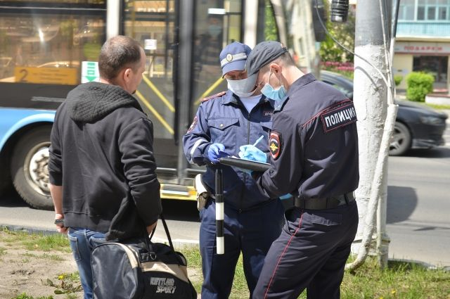 Полицейские постоянно проводят профилактические рейды.