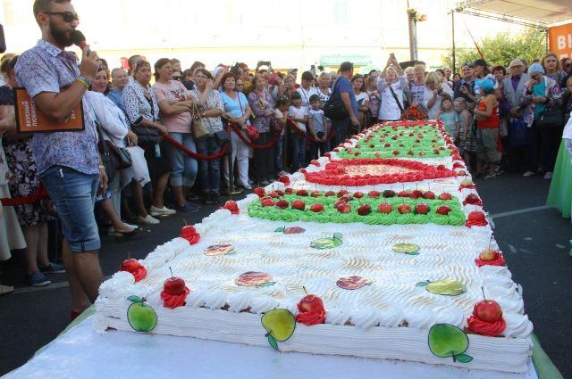 Фестивали на Любинском собирают много людей.
