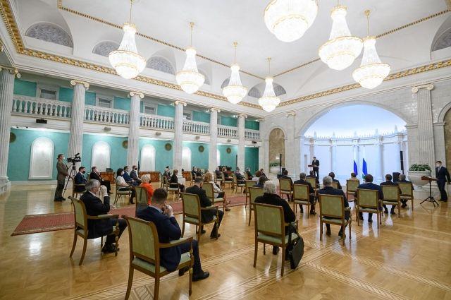Торжественная церемония прошла в доме Севастьянова. Его в 2008 году отреставрировал «Атомстройкомплекс».