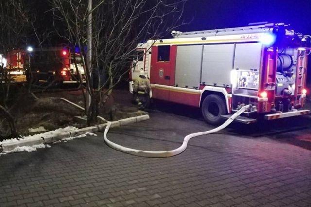 Ночью в Гурьевском районе горели автомобили «Тойота» и «Лексус»