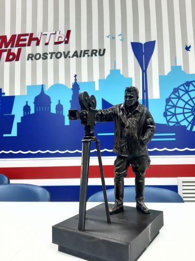 Эскиз памятника Сергею Бондарчуку
