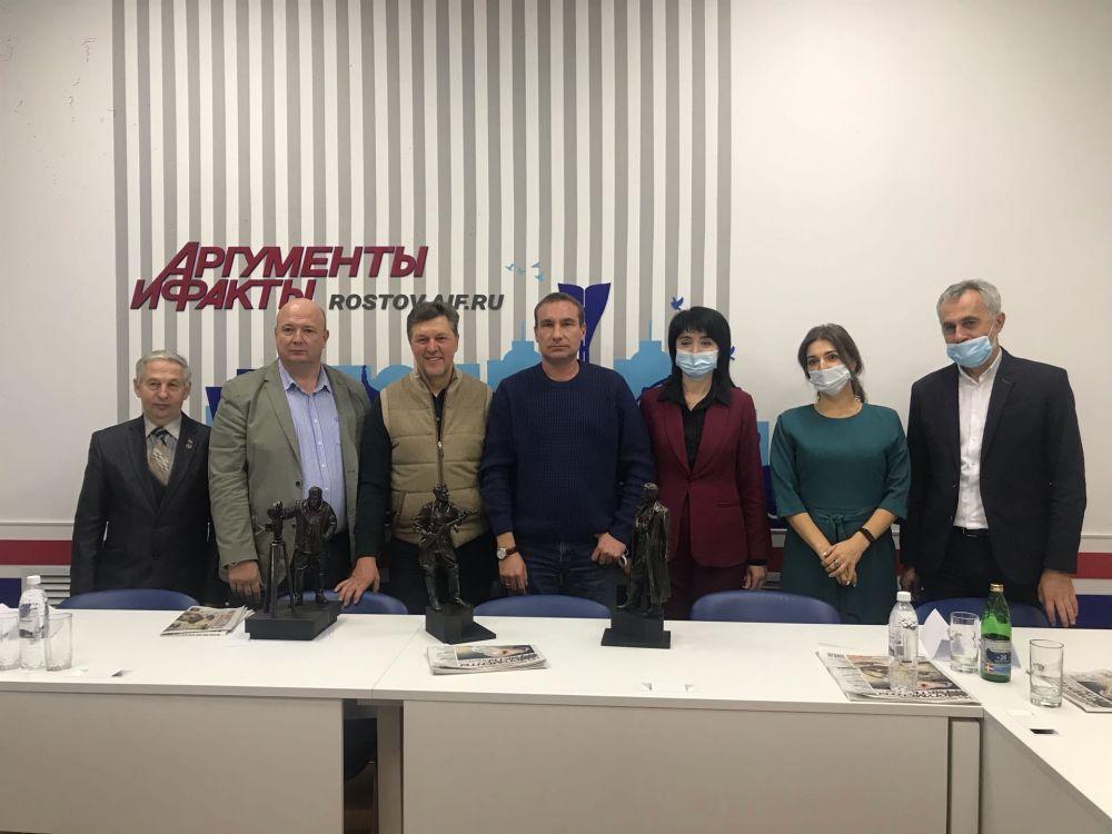 Проекты памятников были представлены на круглом столе в редакции АиФ на Дону