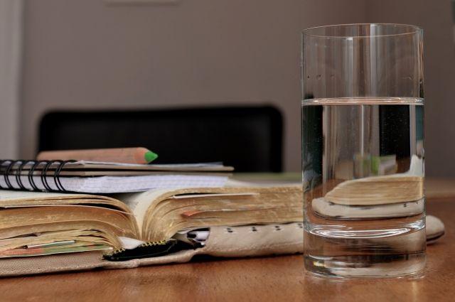 Два литра воды в день - не много ли это?