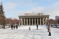 Мэр Новосибирска Анатолий Локоть прокомментировал проблему неприятного запаха на улицах.