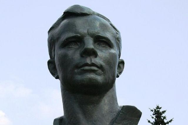 Герой России Роман Романенко оценил проходящий в музее Гагариных в Оренбурге ремонт.