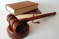 В суде приговор заслушал житель Гая, который в 2012 разместил на странице социальной сети фотографию запрещенной символики.