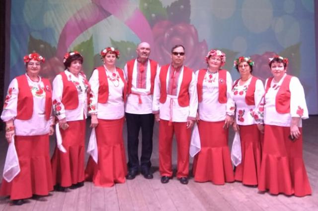 Александр - руководитель народного хора «Ивушка».