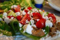 Турецкая кухня знаменита своими супами и блюдами из сыров, круп и овощей.