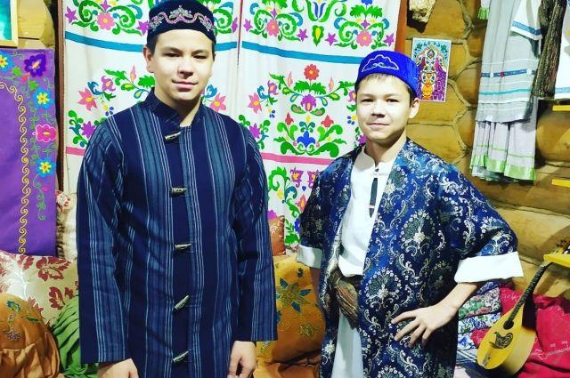 В национальной одежде сплетаются вековые традиции и многообразие культуры.