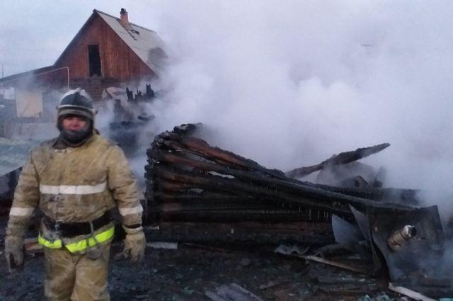 Спасатели напоминают, что нельзя оставлять топящиеся печи без присмотра.