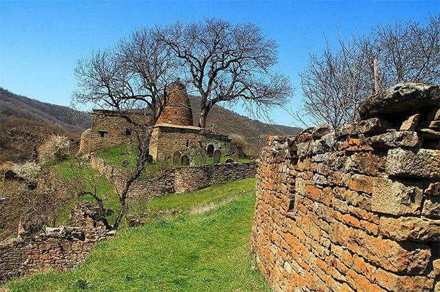 Заброшенный аул Кара-Корейш в Дагестане.