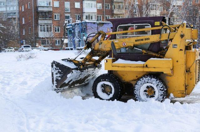 Мэрия Новосибирска рассказала, какие улицы будут очищать от снега в ночь с 7 на 8 декабря.