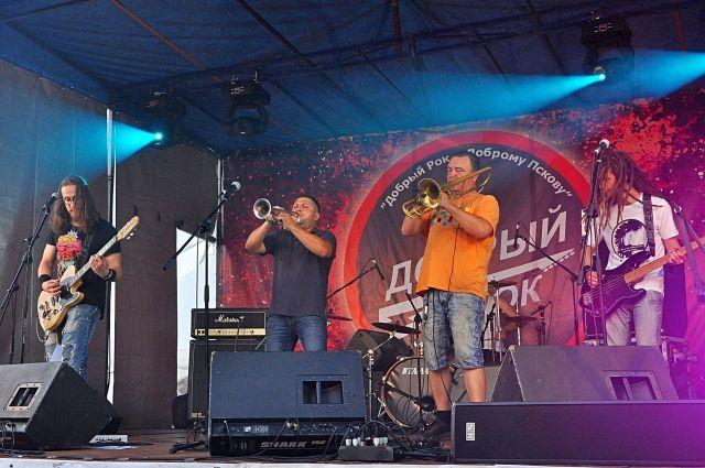 Организаторы псковского фестиваля «Добрый рок» тоже смогли собрать деньги на мероприятие с помощью краудфандинга