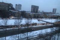 Жители Новосибирска стали в огромную пробку по пути на работу на улице Ипподромской из-за тройного ДТП.