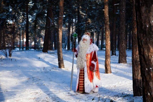 3 декабря Всероссийский Дед Мороз из Великого Устюга и ведущий программы «Главная дорога» Денис Юченков перенеслись в Новосибирск.