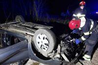 В Хмельницкой области машина слетела в кювет: погибли три человека.