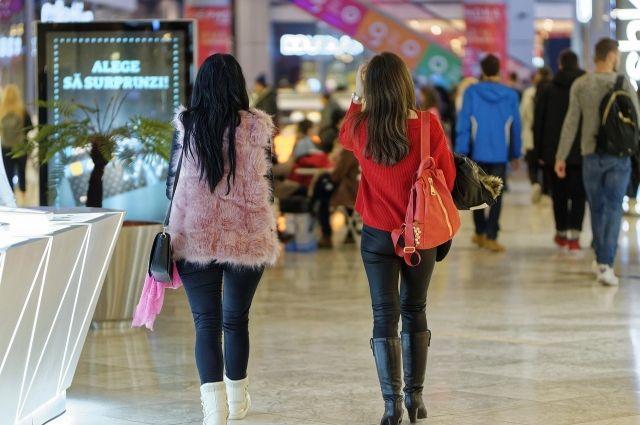 Стало известно, как будут работать торговые центры Новосибирска в новогодние каникулы. Большинство крупных ТЦ уже опубликовало обновленный график работы 31 декабря и выходные дни.