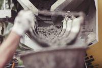 В Оренбурге бизнесмен продавал контрафактный некачественный цемент.