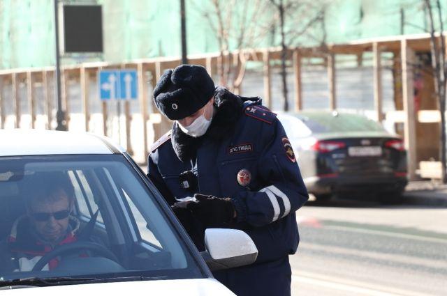 За неподчинение требованиям полиции, мужчина получил 26 суток ареста.