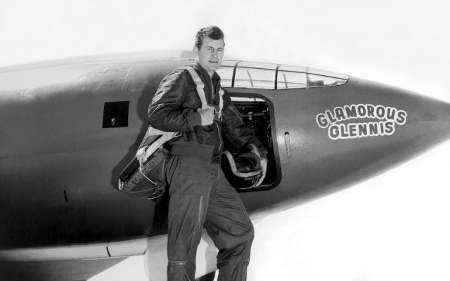 Умер американский летчик, который первый в мире преодолел скорость звука.