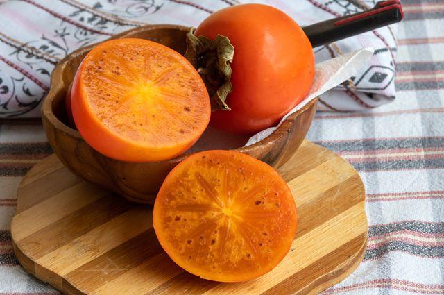 Хурма – популярная зимняя ягода.