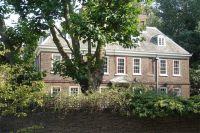 Лондонский особняк Old Battersea House с10спальнями больше непринадлежит беглому олигарху Сергею Пугачёву. Наторгах занего дали 8млн фунтов стерлингов— 2,3% отсуммы, которую требуют сбанкира кредиторы.
