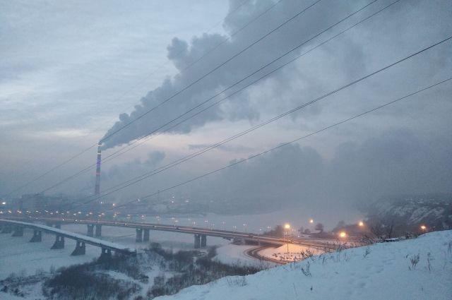 По материалам прокуратуры возбуждено уголовное дело о мошенничестве в сфере экологического мониторинга качества атмосферного воздуха.