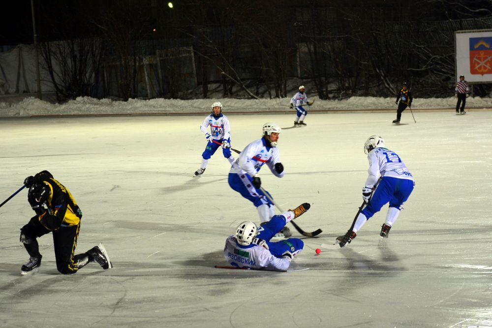 В первом тайме северяне больше 30 минут из 45 провели на половине ХК «Сибсельмаш».