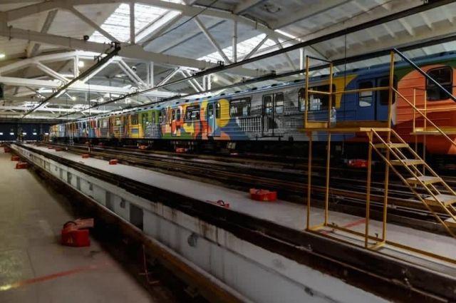 В годы войны в Новосибирск было эвакуировано более 100 заводов.