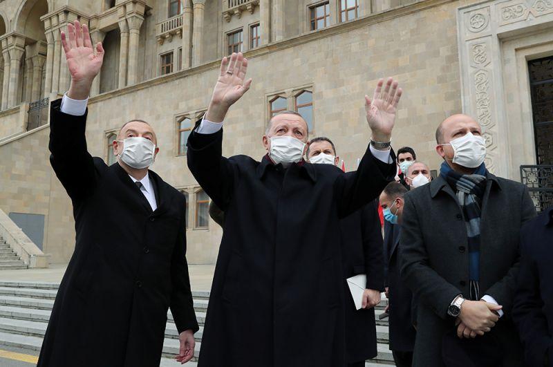 Президенты Азербайджана и Турции Ильхам Алиев и Реджеп Тайип Эрдоган на параде.
