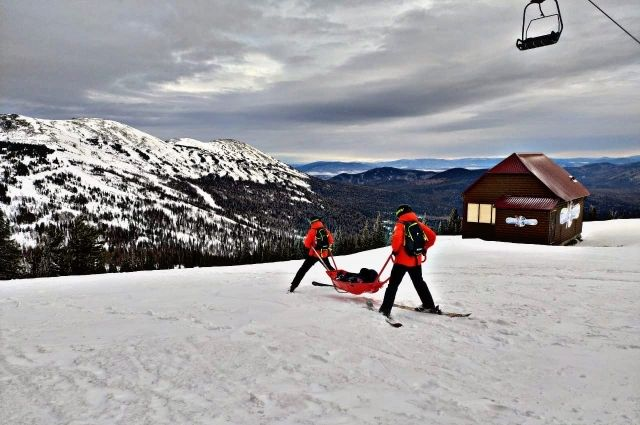За вторую половину ноября спасатели 50 раз оказывали помощь на горнолыжных склонах.