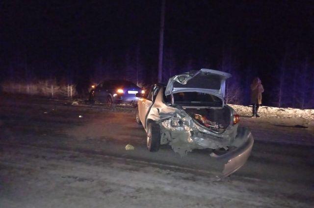 В ДТП на автодороге Лабытнанги – Харп столкнулись две иномарки
