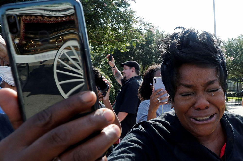Похороны Джорджа Флойда, погибшего от рук полицейских в Миннеаполисе. Его гибель вызвала волну протестов Black Lives Matter, которые то и дело вспыхивали в разных городах США.