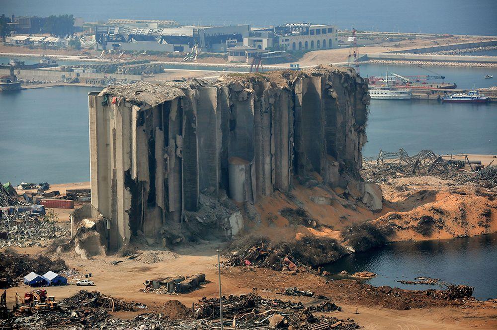 Взрыва в Бейруте. В порту ливанской столицы сдетонировала аммиачная селитра, конфискованная таможенными службами в 2014 году. Прогремевший взрыв повредил сотни домов, оставив без жилья 300 тысяч человек.