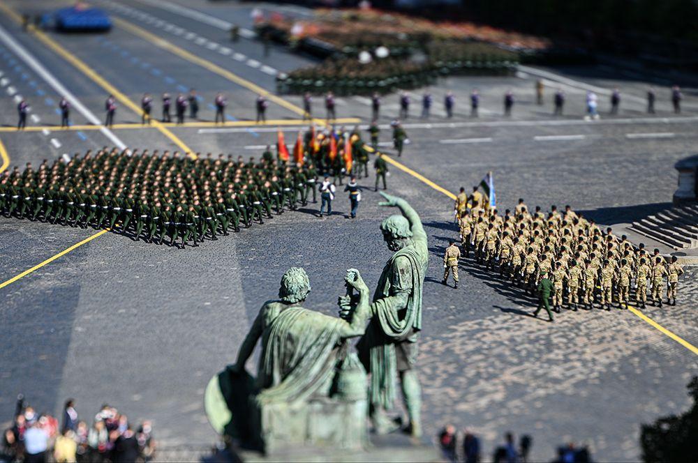 Военный парад в ознаменование 75-летия Победы в Великой Отечественной войне 1941-1945 годов на Красной площади в Москве.