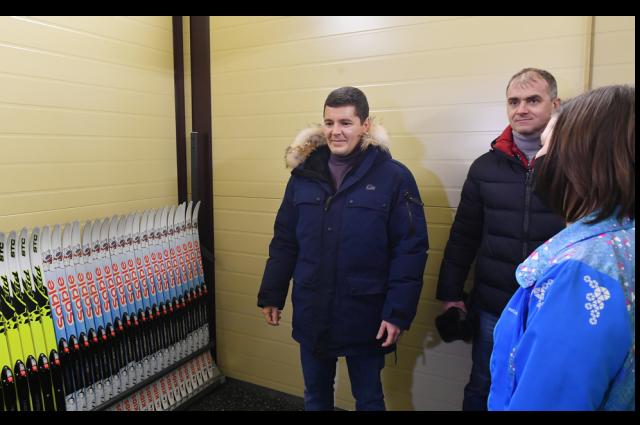 Губернатор Ямала Дмитрий Артюхов побывал на открытии новой лыжной базы в Салехарде