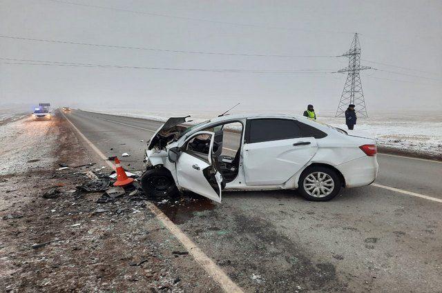 55-летний водитель «Лады Весты» погиб в ДТП с иномаркой в Башкирии