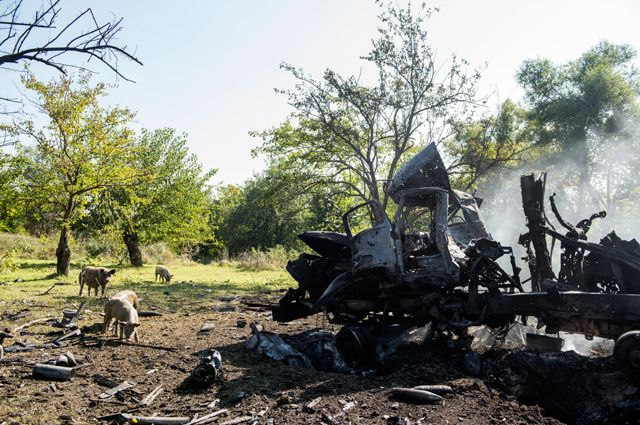 Разбитая военная техника армии в районе Гадрута.